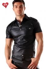 Polo Men's military faux cuir : Polo à poche sur la poitrine effet faux cuir, une ligne très masculine pour homme de caractère.